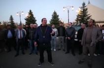 Գագիկ Ծառուկյանը հանդիպել է կամավորական ջոկատ կազմելու իր կոչին արձագանքած կամավորականների հետ (Տեսանյութ)