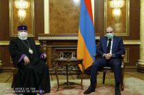 Премьер-министр провел встречу с Католикосом Всех Армян Гарегином Вторым