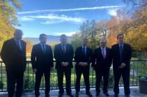 Армения и Азербайджан договорились не наносить удары по гражданским объектам и обменяются списками военнопленных – заявление