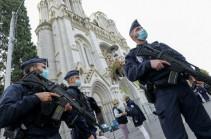 Թուրքական ծագմամբ մոտ 50 մարդ հարձակվել է Վիեննայի եկեղեցու վրա