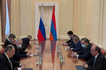 Armenian, Russian FMs have short meeting in Yerevan