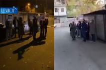 Граждане проводят акции протеста во дворах домов, где живут депутаты правящего блока «Мой шаг» (Видео)