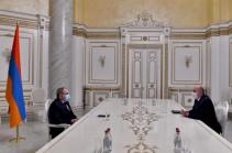 Փաշինյանը հանդիպել է ՀԷՑ, «Գազպրոմ Արմենիա», «Նուշիկյան ասոցիացիա» ընկերությունների ղեկավարների հետ