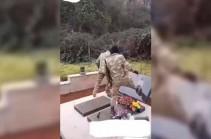 Азербайджанские солдаты разрушили армянское надгробие и попали на видео (Видео)