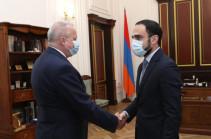 В процессе обмена военнопленными Армения предлагает Азербайджану руководствоваться принципом «всех на всех»