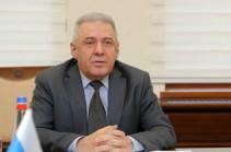 Глава Минобороны Армении отправился в Россию с рабочим визитом