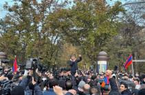 Армения не может себе позволить провести внеочередные парламентские выборы – Артур Ванецян