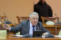 ՀՀ պաշտպանության նախարարը հանդիպել է անհետ կորած զինծառայողների հարազատների հետ