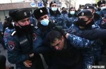 ԱԺ մոտից բերման է ենթարկվել 15 անձ. կա մեկ ձերբակալված