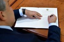 Նախագահը ստորագրել է Արսեն Թորոսյանին առողջապահության նախարարի պաշտոնից ազատելու մասին հրամանագիրը