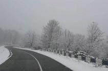 Արցախում ավտոճանապարհները հիմնականում անցանելի են ձմեռային անվադողերով տրանսպորտային միջոցների համար