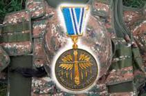 Մի խումբ զինծառայողներ հետմահու պարգևատրվել են պետական պարգևներով