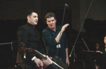 Մարիինյան թատրոնի տեխնիկական անձնակազմի լավագույն մասնագետները տեսագրում և ձայնագրում են Բեթհովենի սիմֆոնիաները՝ Հայաստանի ֆիլհարմոնիկ նվագախմբի կատարմամբ