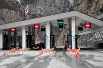 «Վերին Լարս» անցակետը բաց է, բեռնատար տրանսպորտային միջոցներն ինտենսիվ կերպով բաց են թողնվում