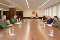 Հայաստանն արդունավետ է համարում ռուսական խաղաղապահ զորախմբի գործունեությունը. Նախարարն ընդունել է Մուրադովին