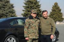 Հակառակորդի 9 տանկ և 7 ՀՄՄ ոչնչացրած Սուրեն Գաբրիելյանը մեքենա է նվեր ստացել