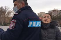 Փաշինյանի աջակիցը հայհոյել է Yerkir.am-ի թղթակցին և հարվածել տեսախցիկին (Տեսանյութ)