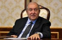 Президент пока не подписал предложение Пашиняна об увольнении начальника ГШ ВС Армении