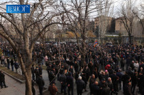 Armenia's opposition places tents on Baghramyan Avenue in Yerevan