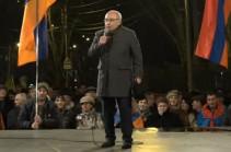 Вопрос не решается отстранением одного человека – Вазген Манукян