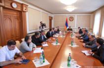Разрабатывается программа содействия лицам, получившим ущерб в результате войны: президент Арцаха провел совещание