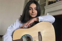 «Երբ իմացա, որ Հադրութն այլևս թշնամունն է, այդ պահին իմ մանկությունն ավարտվեց». Ժասմին Հայրապետյան՝ 14-ամյա աղջիկ, ով արդեն 3 գրքի հեղինակ է