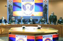 Вагаршак Арутюнян высоко оценил опыт и служебный путь первого заместителя начальника Генштаба Аршака Карапетяна