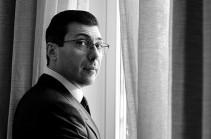 Николовская команда сейчас занята разработкой «мирного договора» с Азербайджаном, что на языке фактов означает закрепление капитуляции – Микаэл Минасян