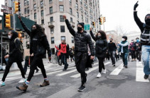 Նյու Յորքում անցկացվում են բողոքի ցույցեր՝ ընդդեմ ոստիկանության բռնությունների