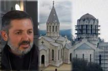 «Չեմ զարմանա, որ մեր հայկական վեղարի փոխարեն թմբուկի վրա իրենց կիսալուսինը բարձրացնեն». Շուշիի Սբ. Ղազանչեցոց եկեղեցու քահանան մտահոգված է
