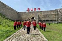 В Шуши азербайджанцы торжественно отметили 76-ю годовщину Победы. Фото