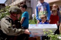 Российские миротворцы организовали передачу гуманитарной помощи беженцам и многодетным семьям отдаленных поселков Нагорного Карабаха (Видео)