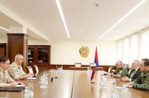 Armenia's acting DM, commander of Russian peacekeeping troop in Artsakh discuss situation on Armenian-Azerbaijani border