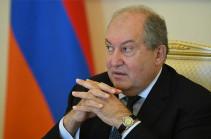 Президент Армении призвал госструктуры предпринять самые строгие меры против угрожающих территориальной целостности посягательств