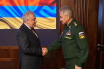 Հարությունյանն ու Շոյգուն դիտարկել են հայ-ադրբեջանական սահմանին իրավիճակի հանգուցալուծման հնարավոր տարբերակները և պայմանավորվել անհրաժեշտ քայլերի վերաբերյալ