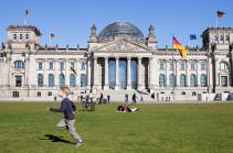 Գերմանիայում վեց ամսվա ընթացքում առաջին անգամ նվազեցրել են COVID-19-ի սպառնալիքի մակարդակը