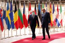 Глава Евросовета призвал лидеров Армении и Азербайджана к возобновлению переговоров