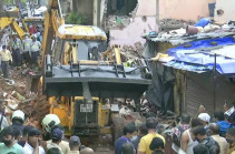 В Мумбаи 11 человек погибли при обрушении дома