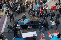 В Миннеаполисе автомобиль въехал в толпу протестующих