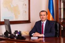 Армен Григорян проводит агитацию в рабочее время: в Совете безопасности утверждают, что он в отпуске, однако такого решения правительства нет (Фото)