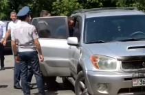 "Police officers use force, apprehend head of ""Armenia"" bloc headquarters in Parakar community (video)"