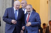 Александр Лукашенко поздравил Никола Пашиняна с победой на выборах