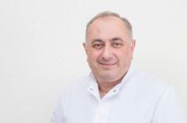 Семь депутатов парламента Армении поручились за профессора Армена Чарчяна
