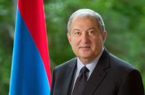 Долг каждого из нас уважать Конституцию, реформируя и совершенствуя её – послание Армена Саркисяна