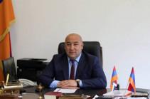 Сотрудники СНБ везут мэра Каджарана в Ереван (Видео)
