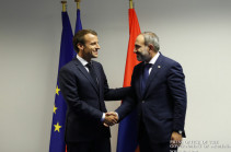 Nikol Pashinyan congratulates Emmanuel Macron on National Day