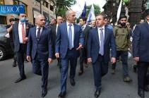 «Мы считаем, что выборы прошли с повсеместными нарушениями»: блок «Армения» не собирается поздравлять партию «Гражданский договор», тем более – сотрудничать