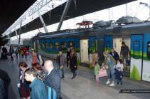 В свой профессиональный праздник железнодорожники Армении бесплатно перевезли более 2,8 тысяч пассажиров
