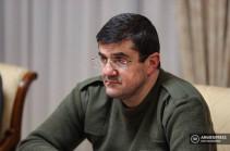 Присутствие российских войск в Арцахе должно быть постоянным – Араик Арутюнян