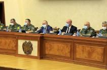 Министр обороны дал строгое поручение пресекать любые попытки продвижения ВС Азербайджана